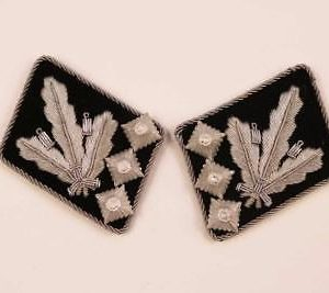 SS General collar tabs
