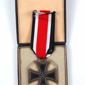 WW2 German medals 1939 EK2 iron cross case