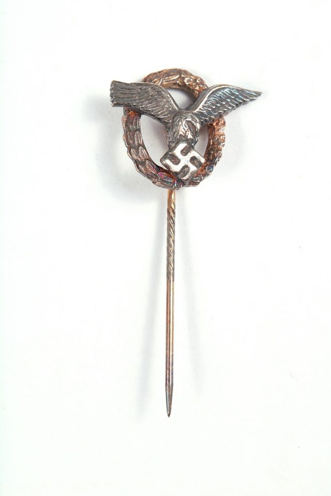 WW2 German stick pin miniature lapel Pilot Observer badge