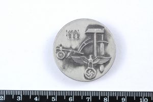 Nazi tinnie badge labour day may 1st 1936