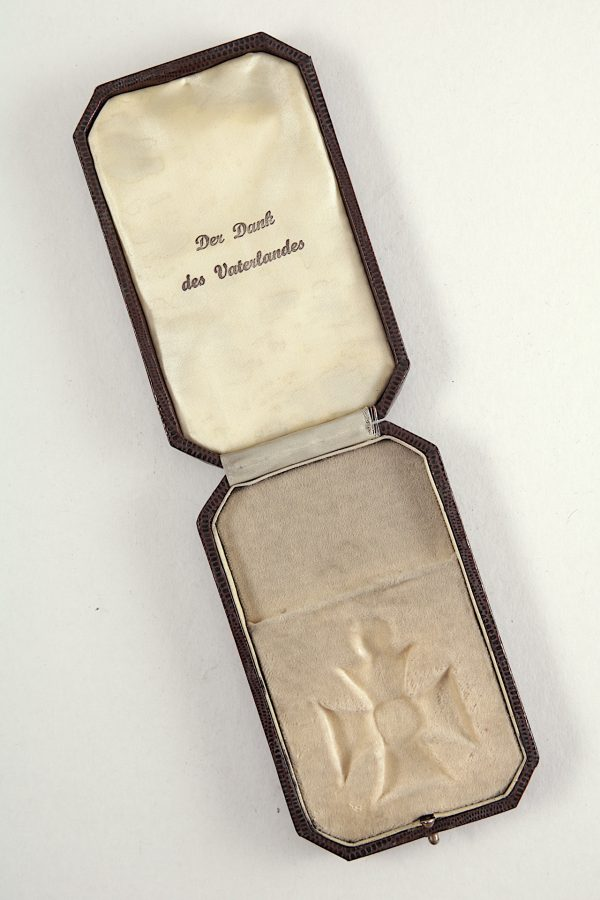 WW1 German EK2 medal case