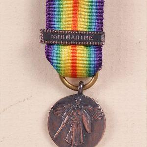 miniature medal US victory submarine
