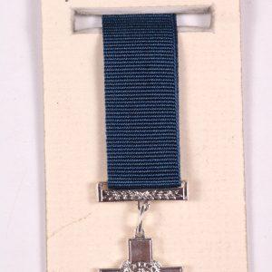 miniature George cross